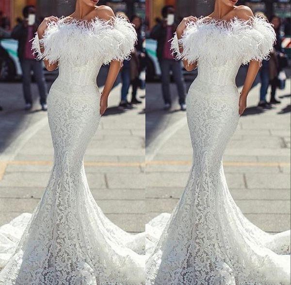 2020 Nueva árabes de color blanco marfil vestidos de baile completo de encaje para las mujeres del hombro de la sirena de longitud de pluma formal del vestido de noche del partido Vestidos