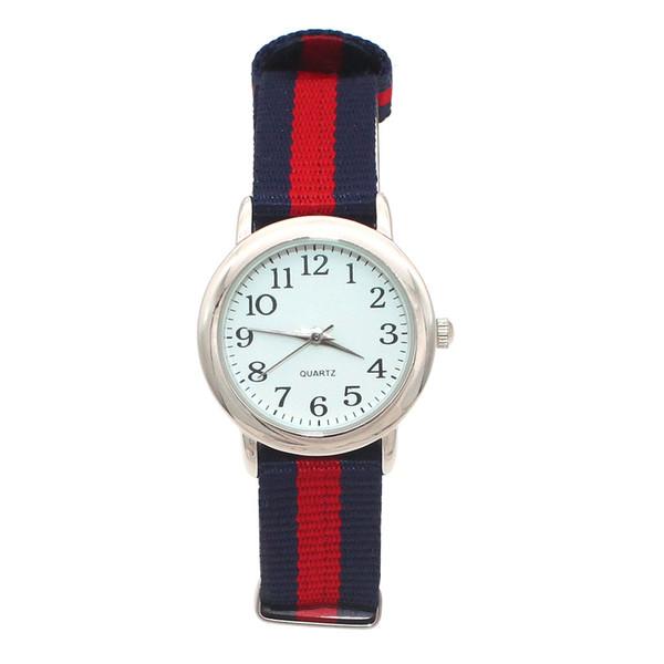 Yeni moda erkek ve kız açık spor İzle sevimli aydınlık eller orta öğrenci renkli naylon rahat çocuk hediye saat