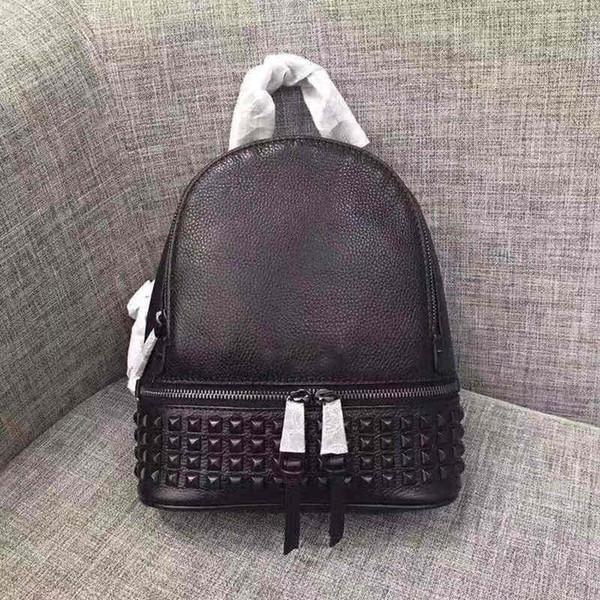 2019 mochilas de diseñador de lujo de alta calidad bolsos de mujer bolso de marca de cuero real rhea zip mochila con tachuelas mediana con tachuelas