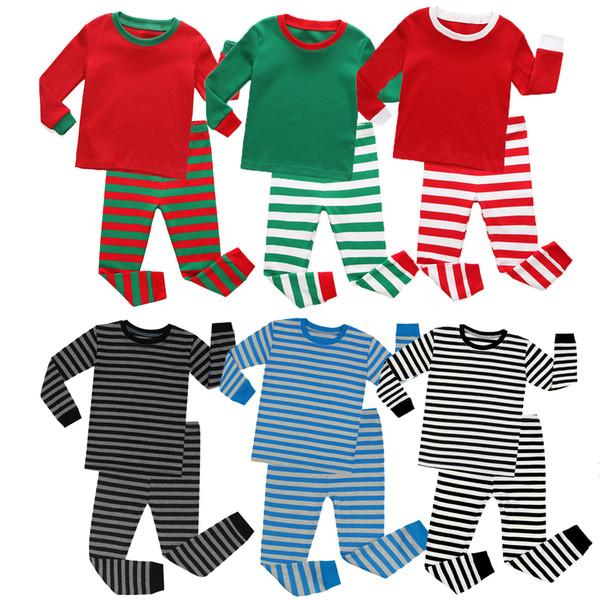 Розничные Дети рождественские наряды нашивки напечатаны пижамы 2pcs костюмы комплект (тенниска + тяжелое дыхание) младенца хлопка пижамы мальчиков девочек дизайнер костюмы