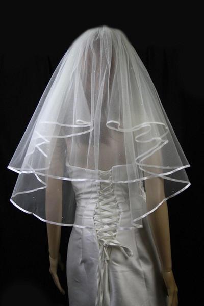 Günstiger Designer Elegante Hohe Qualität Auf Lager Erstaunlich Echtes Bild Zwei Schicht Band Rand Brautschleier Weiß Elfenbein Ellenbogen Länge Legierung Kamm
