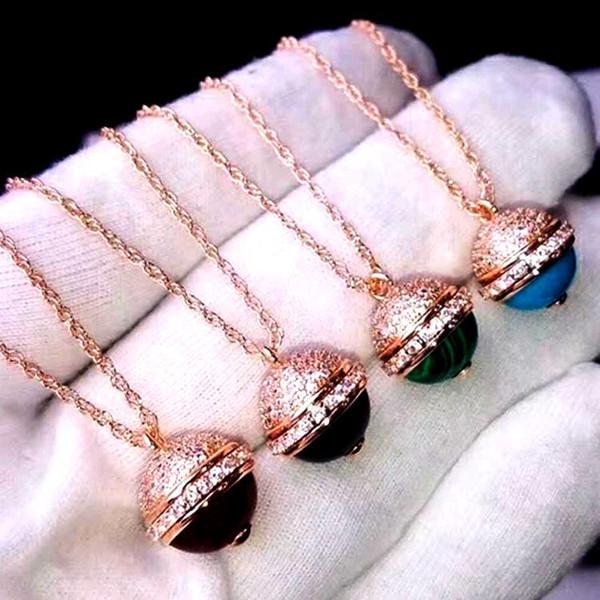 conception Marque P lettre quatre couleurs naturelle agate rotatif couple pendentif collier Demi-cercle pendentif dames collier Livraison gratuite