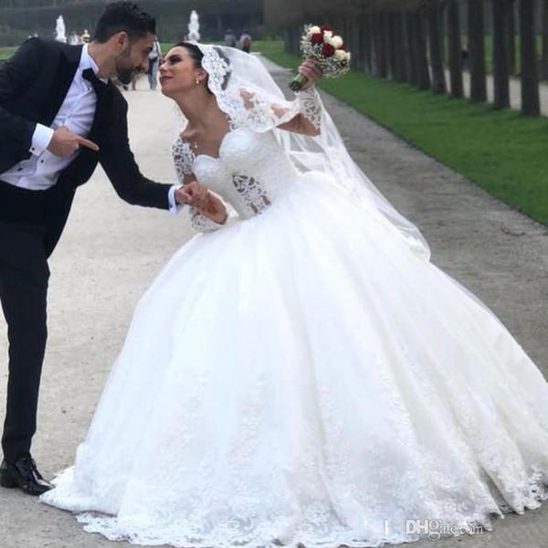 2019 Wunderschöne Ballkleid Brautkleider mit langärmliger Spitze Applikationen Perlen Brautkleid Puffy Schicht Rock Robe de Mariage