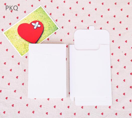White 15.5x10.8x1.5cm