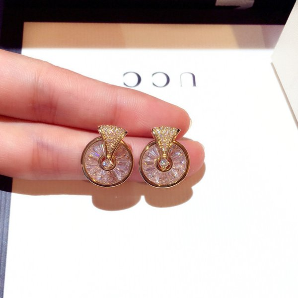 top popular rotable circle crystal round stud earrings for women new arrival Korea hot fashion designer jewelry 2021
