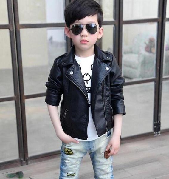 2020 Fashion Boy Причинных черного жакета Новизна кожа PU пальто куртки для мальчиков 1-12T Студентов Детей Детей Верхней одежда из кожи одежды