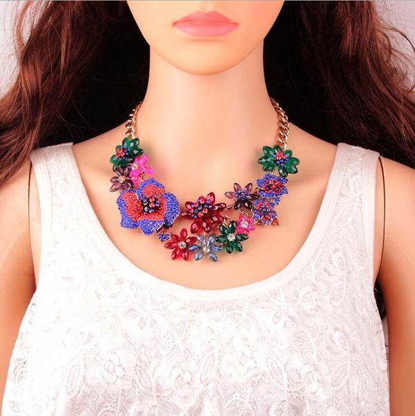 Европейский и американский стиль мода ювелирные изделия новый цвет цветок Циркон горный хрусталь геометрические ожерелье пункт ювелирные изделия внешней торговли новый продукт горячий