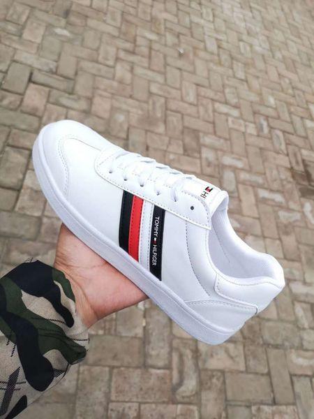 Yeni Lüks Tasarımcı Erkek Kadın Sneaker Rahat Ayakkabılar Düşük Üst İtalya marka Ace Arı Çizgili Ayakkabı Yürüyüş Spor Eğitmenler Chaussures Hommes Dökün