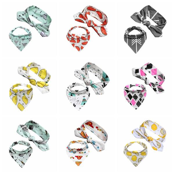 INS-Babyfrucht-Stirnband 2ps / lot DIY-Druckkopfband + Kinderdreieck-Lätzchen Mädchenkarikatur-Lätzchen Lätzchen-Säuglingsspeicheltuch-Karikatur-Zusätze AAA2036