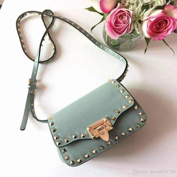 European classical style luxury Milan zoshow new handbag bag bag made of leather royal banquet ladies bag gem gold decorative rivets