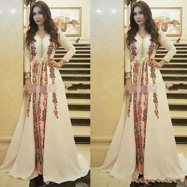 New Kaftan Evening Dresses Moroccan Caftan Amazing Embroidery V-neck Occasion Formal Prom Gown Dubai Abaya Arabic Long Sleeve Party Dress