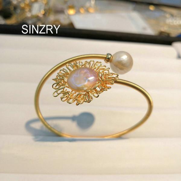 Monili di costume della signora del braccialetto del braccialetto del polsino di fascino della perla d'acqua dolce naturale creativa fatta a mano all'ingrosso