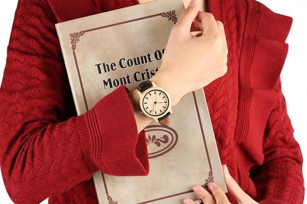 Relógio de madeira feito à mão do bordo de madeira relógios de madeira super leves com pulseira de couro genuíno Relógio de madeira de quartzo do relógio de pulso de madeira fluorescente