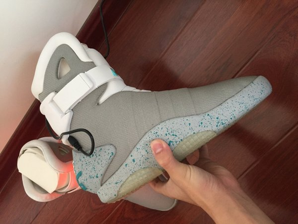 Air Mag Back Future LED Shoes High Top Marty McFly Colorful LED Shoes For Men Luxury Grey Black Red Limited Edition Sneakers Boots With Box
