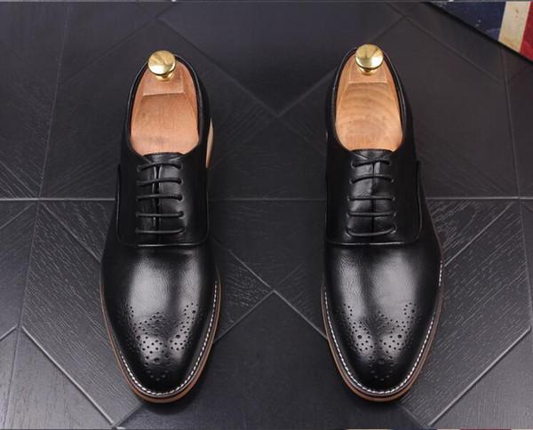 Neuste Männer Brogue Stil Hochzeit weißen Schuh-echtes Leder-Kleid Oxfords Spitzschuh Formal Breath Wohnungen Schuhe da055