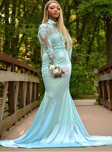 656d27fe98899 robe soiree dubai 2019 Modest Mermaid Evening Long Dresses Appliqued Lace Long  Sleeve Mint Green Prom Dress With Beaded