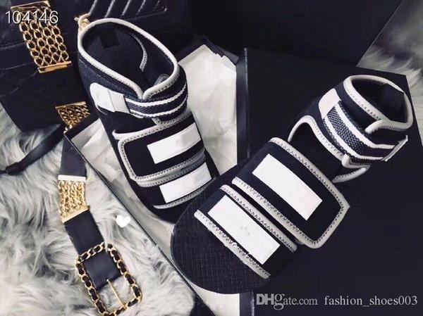 Sandalias de diseñador Hombres Mujeres Verano Negro Blanco Playa Medus Slide Moda Scuffs Pantuflas Zapatos de exterior de alta calidad para damas