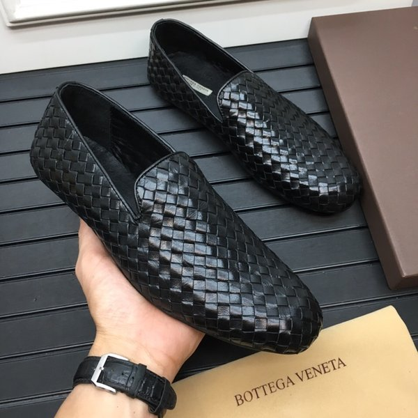 حار بيع الرجال مصمم الأزياء والأحذية الفاخرة الرجال حفل زفاف مكتب الأعمال جلد طبيعي نسج الشقق عارضة الانزلاق على الأحذية