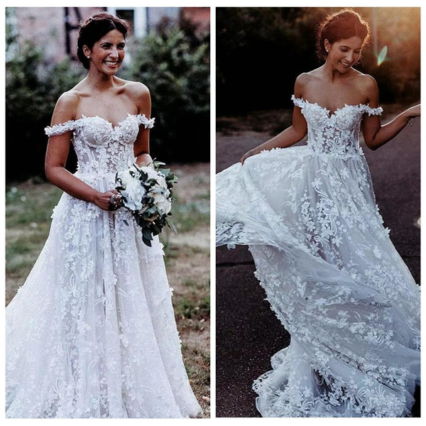 Amazing A-line Beach Wedding Dresses Off the Shoulder 3D Flower Lace Appliques Bridal Gown Sweep Train Illusion Top Summer Wedding Gowns