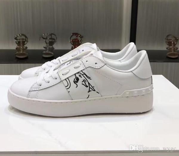 Valentino Garavani Valentinos Konfor Rahat Ayakkabılar Kadın Erkek Marka Perçinler Yassı Ayakkabı Dokuma Deri Patchwork Trendy Rahat Ayakkabılar Çivili Spor Kaykay Tenis