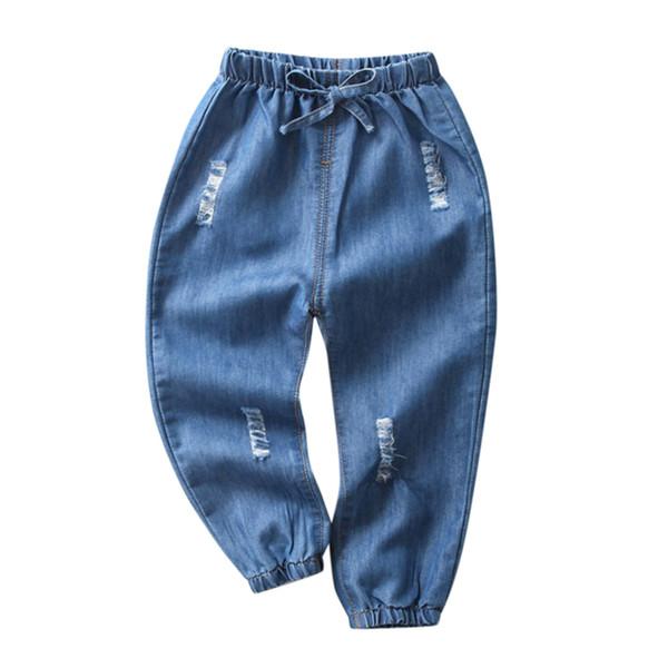 Pantalones de mezclilla Niños Bebé Niño Niña Niños Pantalones de patrón de agujeros de dibujos animados elásticos Pantalones recortados Pantalones vaqueros hasta la pantorrilla Ropa