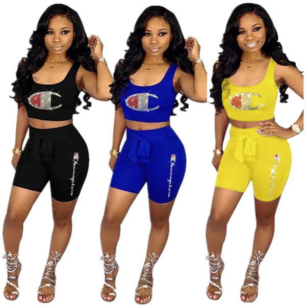 Campeón de las mujeres Sparkling Pantalones cortos de 2 piezas Set Hot Drilling Crop Tank Bras + Shorts Diseñador Diamond deslumbrante chándal marca Streetwear A53001