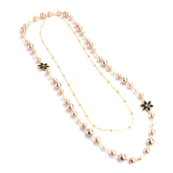Modedesigner Luxus klassische nette Blumen elegante Perle mehrschichtige Halskette lange Pullover Erklärung für Frau Gold-weiß