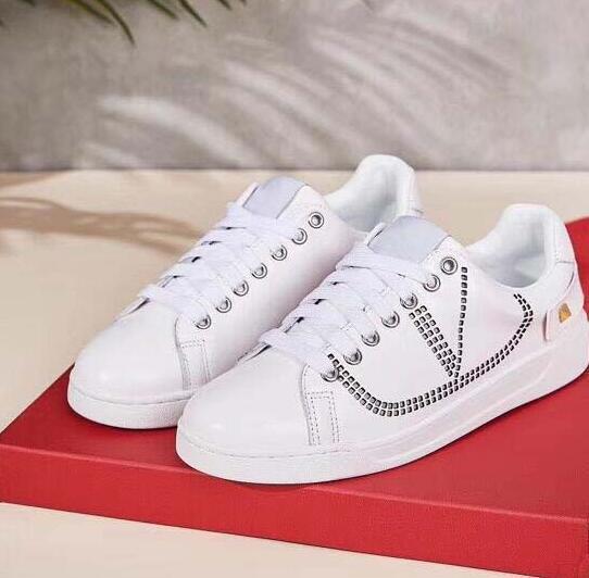 Scarpe casual da uomo Sneakers firmate di lusso Scarpe nuove in vera pelle uomo Scarpe da uomo cool di alta qualità taglia 35-44 modello mb30