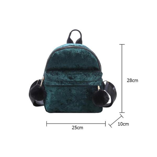 Compre Terciopelo De Las Mujeres Mochila Pequeña Estilo De Muy Buen Gusto Bola De Pelo Hombro Mini Mochila Escolar Bolsa De Viaje A $25.05 Del Thefunk