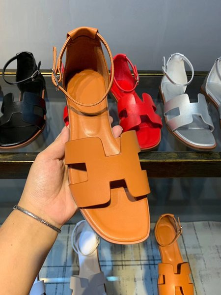 Luxury Sandals Women Buckle Oran Sandals Designer Solid Leather Shoes Women Soft Breathable Platform Shoes Ankle Strap Style