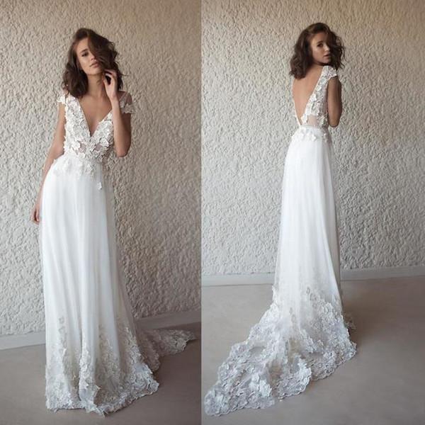 Vestidos de novia de playa Boho A Line 2019 Apliques de encaje con cuello en V profundo Vestidos de novia de boda bohomianos sin espalda albornoces