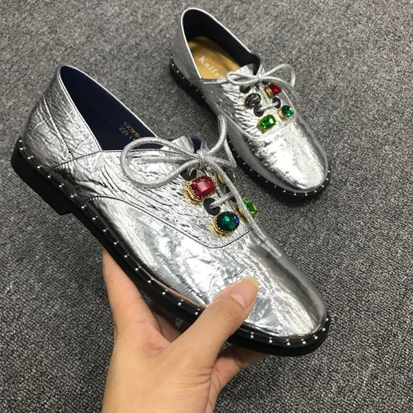 2019 New Rhinestone Women Flat Shoes Red Green Crystal Decor Lace-up Loafers Luxury Shiny Flats Soft Leather Comfortable Shoes