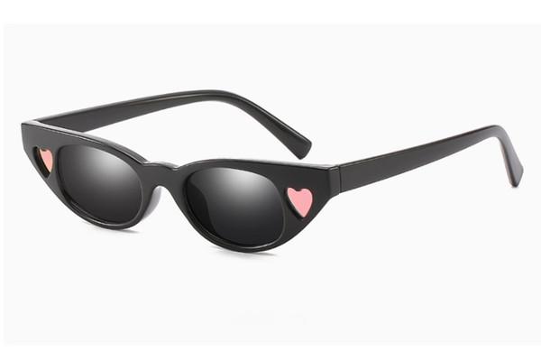 Nuevo marco de ojo de gato Gafas de sol personalizadas Amor Gafas de sol Moda Marco pequeño En forma de corazón Gafas de sol Mujer al por mayor