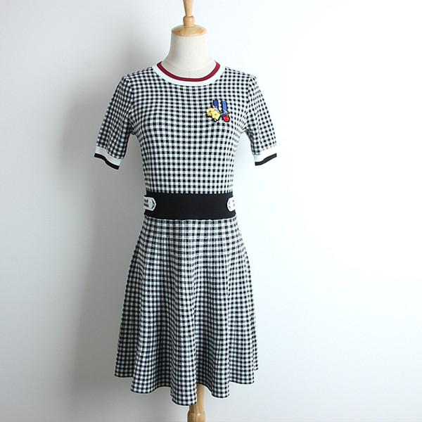2019 nova moda verão vestido de emagrecimento kniting A-line saias curtas preto e branco houndstooth bordado lantejoula flor mulheres vestidos