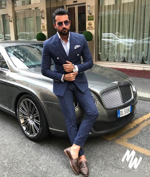 Ternos de risca de giz azul marinho dos homens Slim Fit duas peças Smoking dos noivos Smoking barato trespassado Formal Formal Prom (Jacket + Pants)