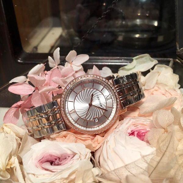 2018 Ladies 'Watch Este reloj es popular entre las mujeres y refleja su personalidad y encanto únicos en diferentes ocasiones.