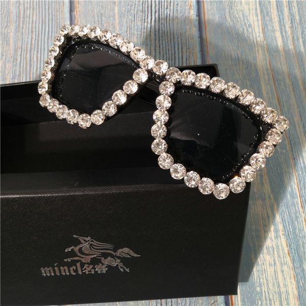 2019 diamond Sunglasses Women Square Occhiali vintage Bling whtie Strass Occhiali da sole per donna Oversize Fashion Shade FML