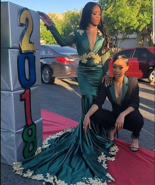 2019 Sexy Dark Green Satin Mermaid Prom Dresses Deep V Neck Gold Lace Appliques Long Sleeves Backless Sweep Train Formal Party Evening Gowns