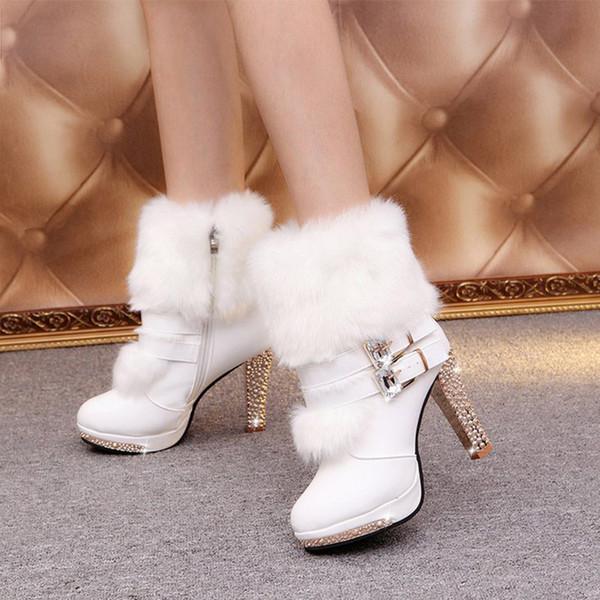Nuevo invierno de las mujeres del tobillo Zapatos felpa linda de la hebilla de correa de piel caliente de terciopelo Crystal arranque del talón fino de cuero Cremallera Mujer Calzado Mujer