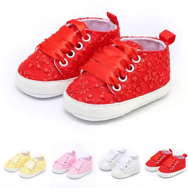 2018 Nouveau bébé mignon Chaussures souples Chaussures Casual bébé nouveau-né GirlsLace Floral broderie imprimés Casual 4 Couleurs