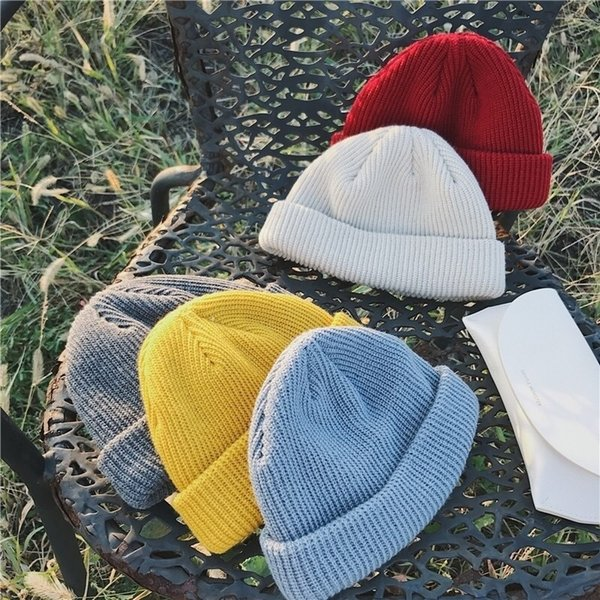 Sólido de punto Hip Hop color Sombreros parejas Hombres Mujeres de punto Sombreros de invierno estilo corto casquillos calientes del resorte del invierno Deportes gorritas BH2464 TQQ
