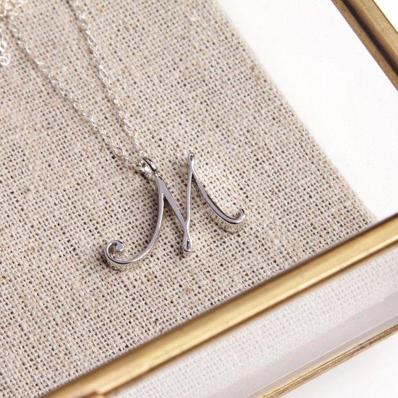 Npcs Minimalist English name Initial Alphabet M Necklace tiny English word Initial Letter M monogram charm Metal pendant necklace