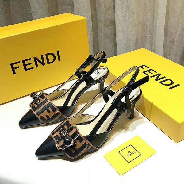 baitong512 / Zapatillas de tacón bajo con diamantes de imitación más nuevas de 2019 Pearl Diseñador de trabajo sandalias de verano para mujer Zapatos de vesti