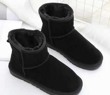 Explosion models snow boots women's shoes winter 2019 new one pedal short tube cotton shoes thickening plus velvet bread shoes