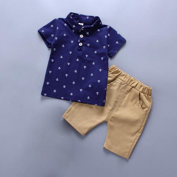 Boa qualidade Bebê Meninos Conjuntos de roupas de Verão 2 PCS Algodão  Cavalheiro Estilo T- 83ecfb2e736