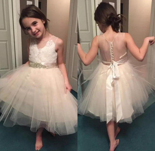 2019 New Lace Flower Girl Dresses Per Matrimoni Appliques Sash Short Girls Pageant Dress Prima Comunione Abiti da Festa di Compleanno