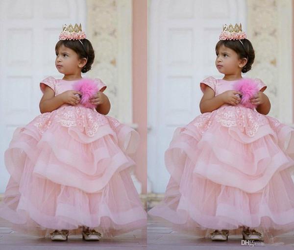 Jewel Boyun Çiçek Kız Elbise Katmanlı Etekler Düğün Için Özel Durum Kat Uzunluk kızın Pageant Törenlerinde Aplikler Communion Elbise 2016