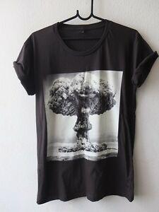 Atom Bomb Happy Face Fashion RoO-Neck T-Shirt M