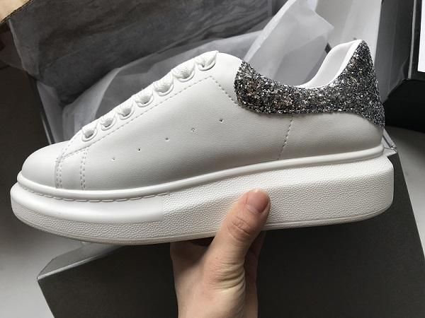 2019 Designer Men Casual Shoes Cheap Best High Quality Mens Womens Fashion Sneakers Party Wedding Shoes Velvet Sneakers Tennis