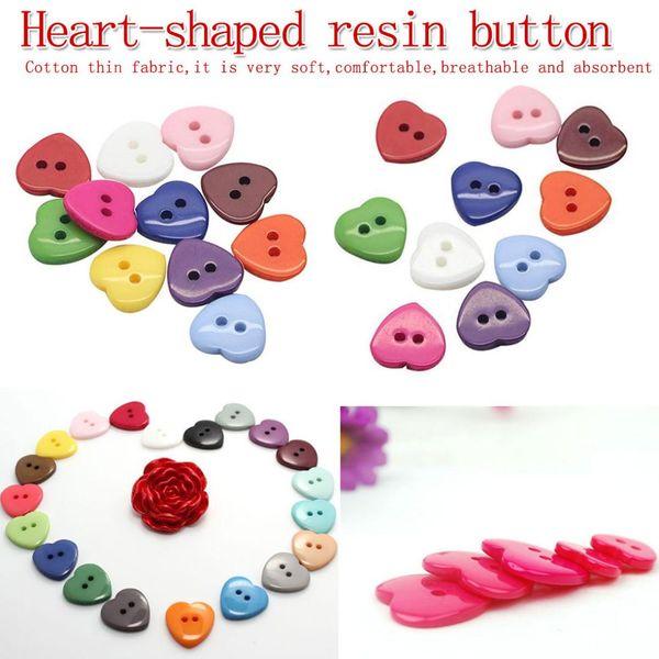 50 ADET kalp şeklinde plastik düğme reçine düğmesi dekoratif sevimli transfer çift delik karışık dikiş ahşap